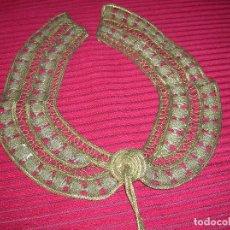 Antigüedades: CUELLO ÚNICO,PRECIOSO Y MUY ANTIGUO REALIZADO CON HILOS DE ORO. Lote 126472579