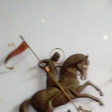 Antigüedades: ANTIGUO SANT JORDI DE HIERRO HECHO A MANO PARA PARED MIDE 52 X 40 CMS. Lote 126486499