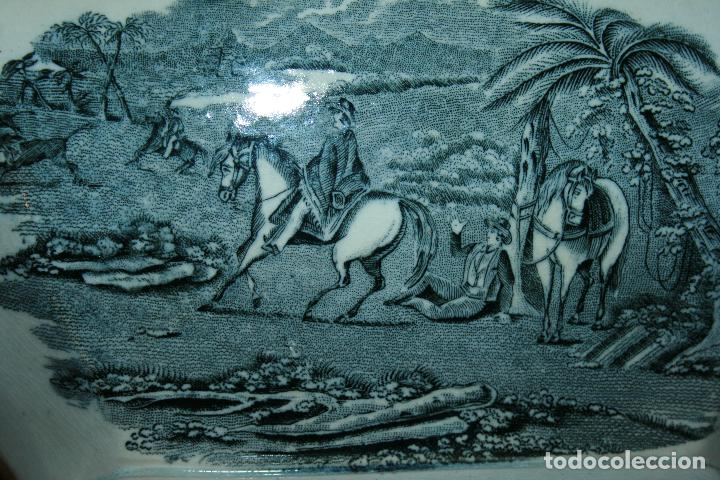 Antigüedades: Sopera de Cartagena, lanceo de toros, marca de las manos y sello. 18x30x20, falta el asa. ver fotos - Foto 5 - 126509391