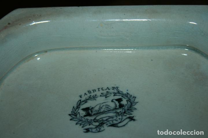 Antigüedades: Sopera de Cartagena, lanceo de toros, marca de las manos y sello. 18x30x20, falta el asa. ver fotos - Foto 9 - 126509391