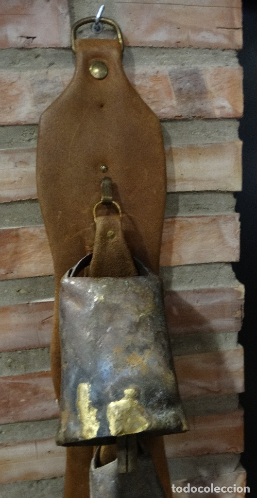 Antigüedades: CINTURÓN DE PIEL CON CENCERROS - Foto 2 - 124548587