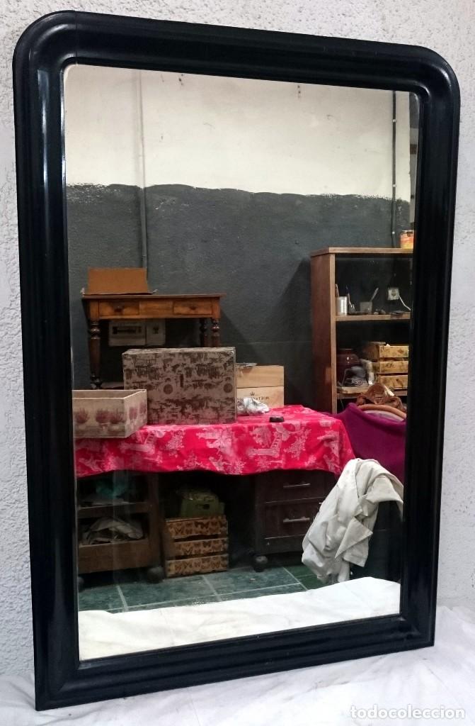 Antigüedades: Espectacular espejo de madera de caoba rubia lacado en negro, alta calidad, Isabelino.128x79 - Foto 2 - 126031335