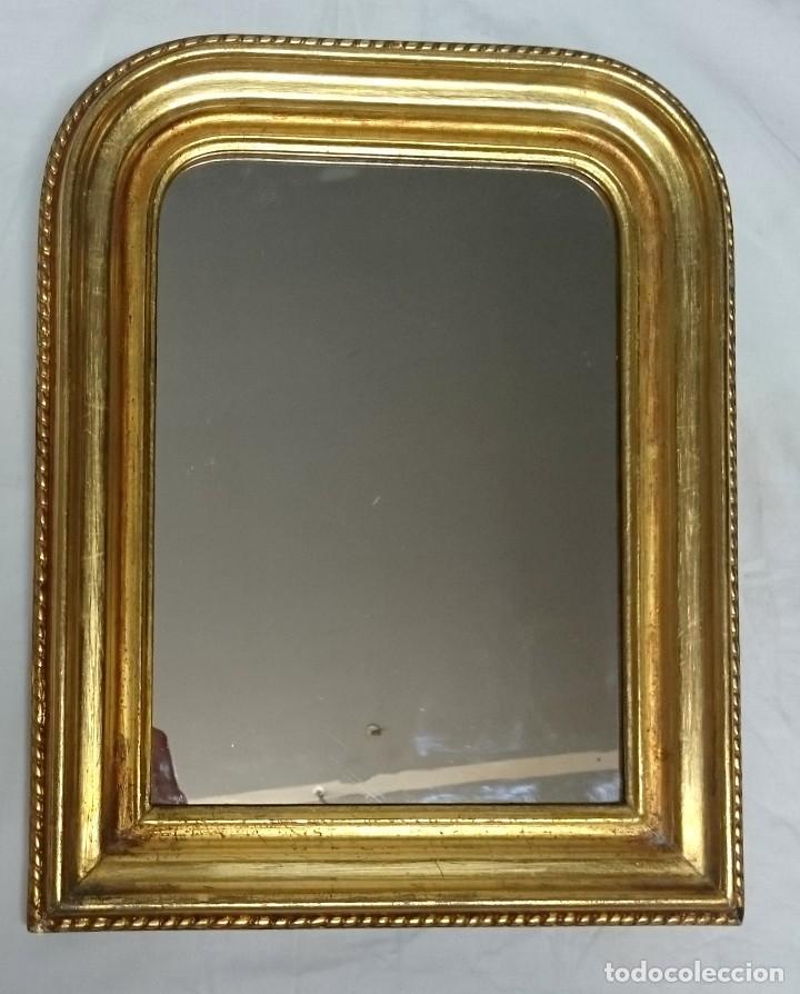 Antigüedades: Antiguo espejo de madera de nogal isabelino dorado al oro fino. S.XIX. Rareza de tamaño. 30x24cm. - Foto 2 - 126065835