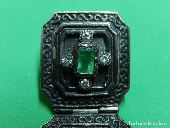 Antigüedades: Cruz de plata antigua, con esmeraldas y brillantes. - Foto 24 - 126578215