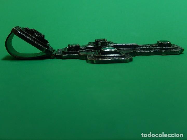 Antigüedades: Cruz de plata antigua, con esmeraldas y brillantes. - Foto 26 - 126578215