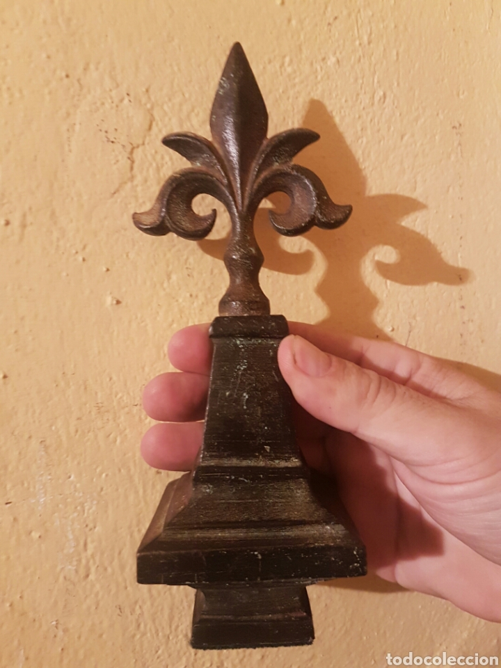 TERMINAL REALIZADO EN HIERRO (Antigüedades - Hogar y Decoración - Otros)