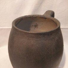 Antigüedades: PUCHERO DE HIERRO, ESMALTADO INTERIOR, ANTIGUO Y PESADO, ETNOGRAFÍA EN ESTADO PURO. Lote 126594898