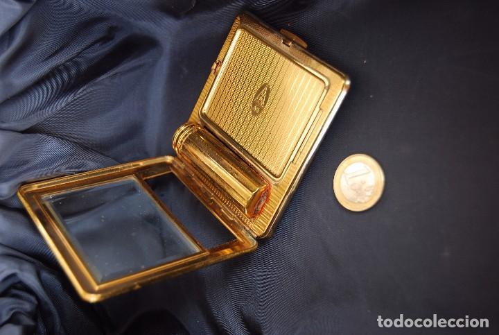 Antigüedades: ANTIGUA POLVERA DE METAL DORADO CON PINTALABIOS DE ELIZABETH ARDEN . AÑOS 20-30 .SIG XX. - Foto 19 - 126599799