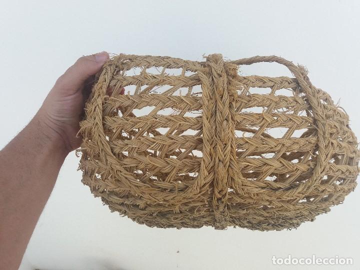 Antigüedades: Cesta espuerta o capazo antiguo de esparto utilizado para fruta verdura pescado - Foto 2 - 126659371