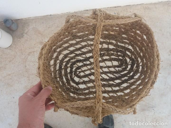 Antigüedades: Cesta espuerta o capazo antiguo de esparto utilizado para fruta verdura pescado - Foto 5 - 126659371
