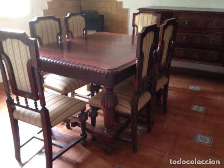 Mesa y sillas comedor con 2 aparadores
