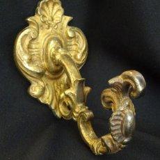 Antiques - Antiguo gancho en bronce dorado sujeta cortinas - 126741227