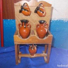 Antigüedades: MUEBLE CON BOTIJOS PARA DECORAR. Lote 126774503