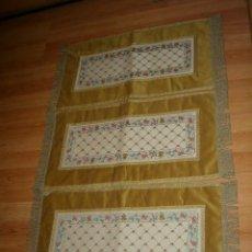 Antigüedades: TAPETE BROCADO,PASAMANERIA,JUEGO DE 3.. Lote 126799059