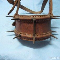Antigüedades: ANTIGUA CARLANCA CARRANCLA CARRANCA COLLAR DEFENSIVO MASTINES PERROS PUNTAS. Lote 126803115