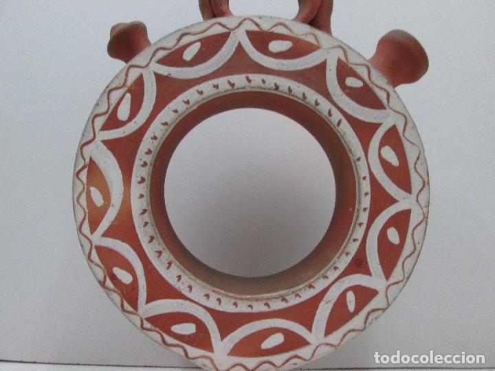 Antigüedades: BOTIJO CÁNTIR - INDALECIO BONXE - LUGO - TORTELL ROSCO - 32 X 20 X 6,5 CM - Foto 2 - 126803443