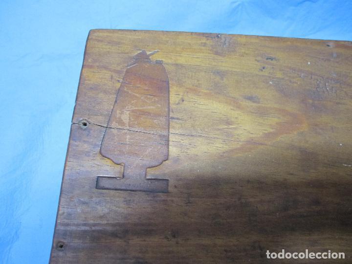 Antigüedades: ANTIGUA CAJA DE MADERA SANDEMAN ENTREPOSTO GAIA INVALID DE VINO O LICOR - Foto 3 - 126806071