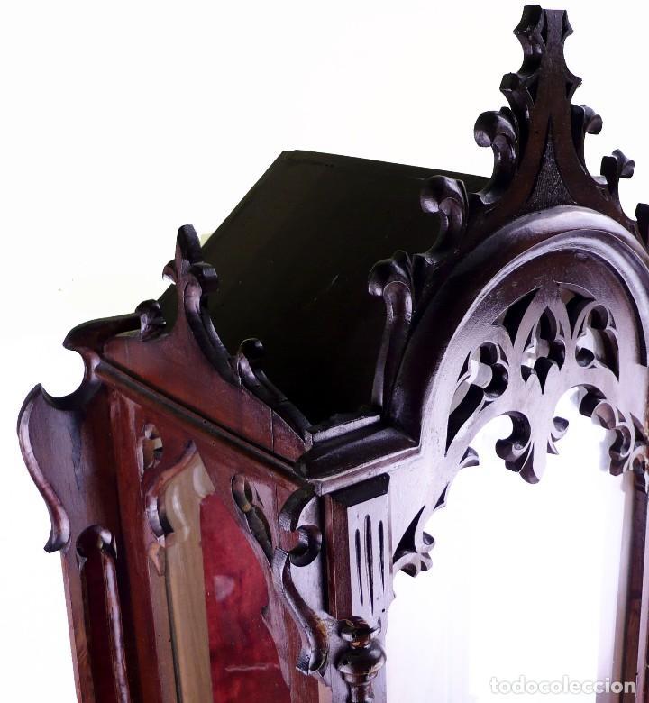 Antigüedades: Capilla urna para imagen religiosa - madera calada- Estilo Neogótico -Principios S.XX- 80 cm - Foto 4 - 126807103