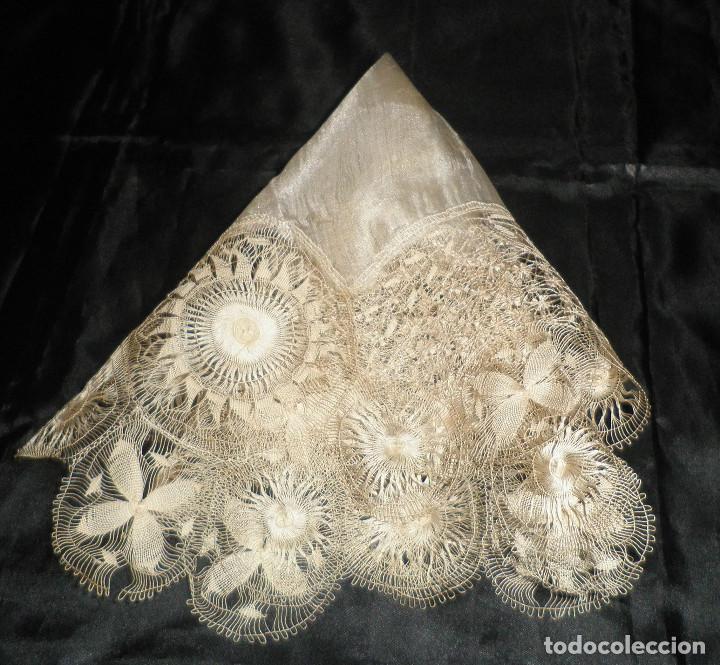 Antigüedades: pañuelo antiguo de finales del siglo XIX de seda - Foto 2 - 126808763