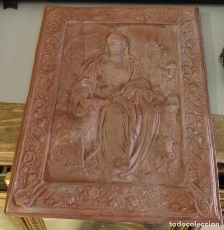 PASTORA DE CANTILLANA, MATERIAL ESCAYOLA Y BARRO, 23X30 CMS (Antigüedades - Religiosas - Varios)