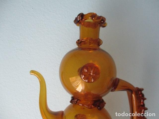 Antigüedades: Precioso jarron o botijo de vidrio soplado, color marrón, principios S XX, altura 33 x 19 cm ancho - Foto 8 - 126899475