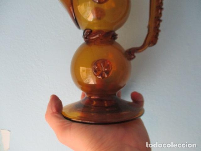 Antigüedades: Precioso jarron o botijo de vidrio soplado, color marrón, principios S XX, altura 33 x 19 cm ancho - Foto 10 - 126899475