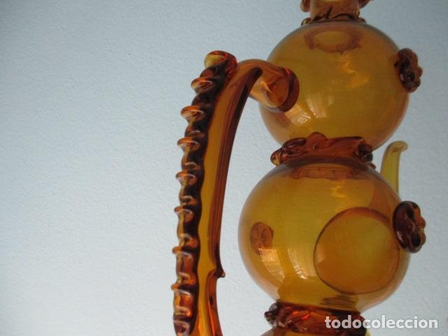 Antigüedades: Precioso jarron o botijo de vidrio soplado, color marrón, principios S XX, altura 33 x 19 cm ancho - Foto 12 - 126899475