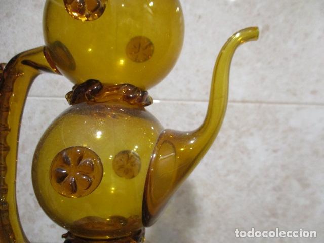 Antigüedades: Precioso jarron o botijo de vidrio soplado, color marrón, principios S XX, altura 33 x 19 cm ancho - Foto 19 - 126899475
