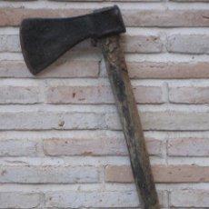 Antigüedades: HACHA METALICA ANTIGUA GRANDE EN HIERRO FORJADO - 2. Lote 126901683