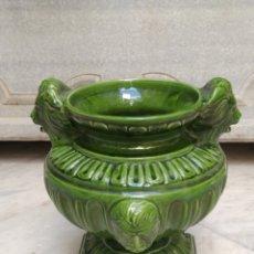 Antigüedades: MACETERO DE PORCELANA. Lote 126948932