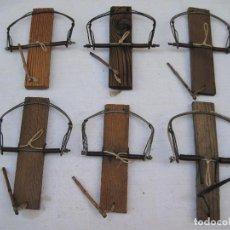 Antigüedades: LOTE DE 6 BALLESTAS ANTIGUAS PARA CAZA. ETNOGRAFIA.. Lote 126988843