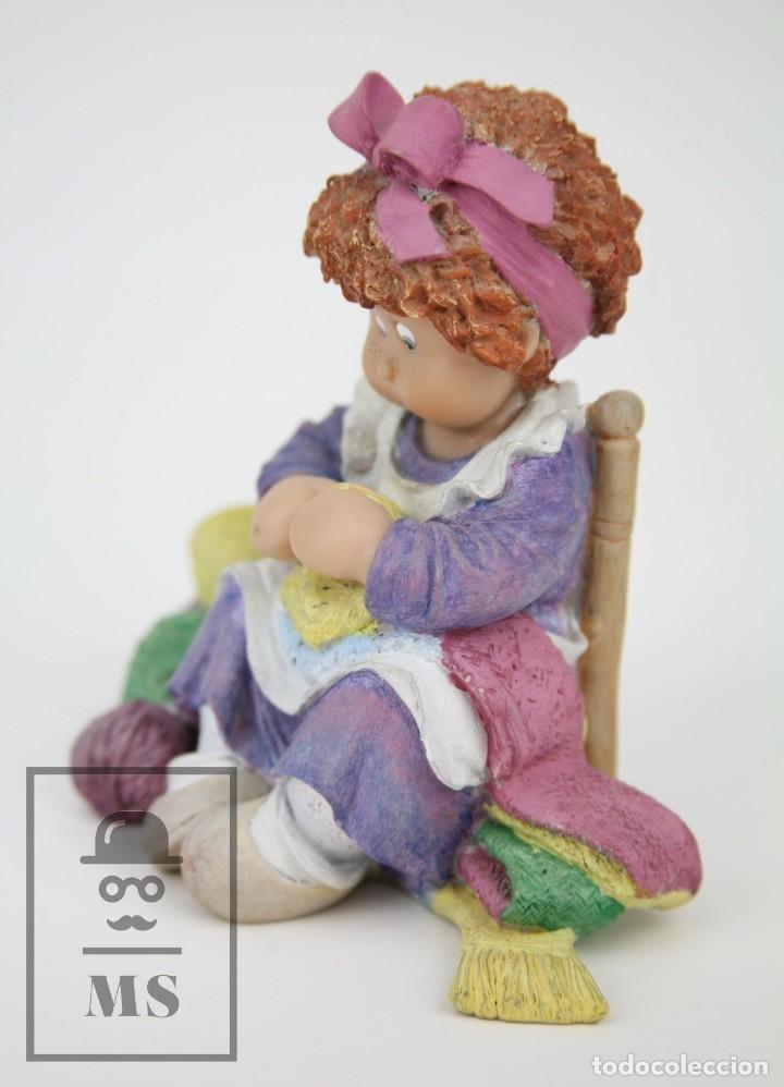 Antigüedades: Figura de Resina - Cuqui. Preparando el Invierno - Ref. 4703 - Magda Genestar - Edición Numerada - Foto 13 - 127040267