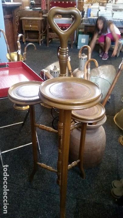 Antigüedades: Magnífico mueblecito para aperitivos estilo inglés. Caoba y cuero. - Foto 2 - 127242211