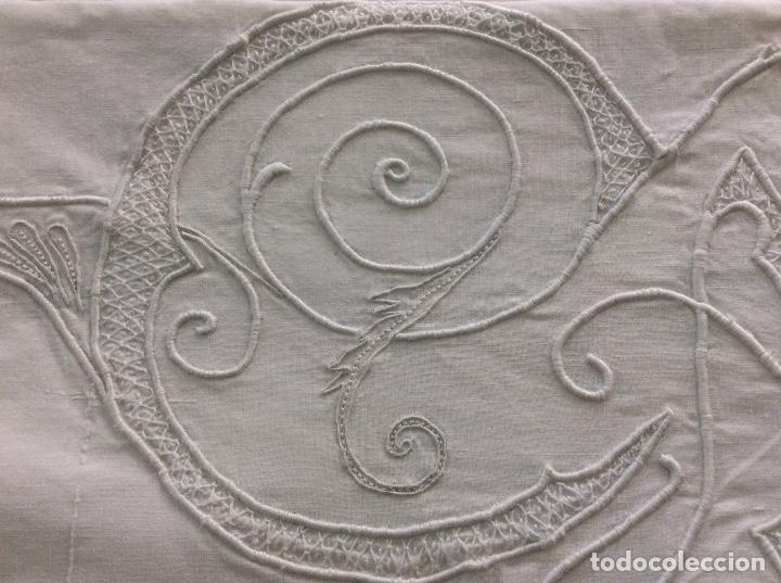 Antigüedades: Sabana con Impresionante bordado y puntilla de bolillos finales siglo XIX principios del XX - Foto 13 - 127254575