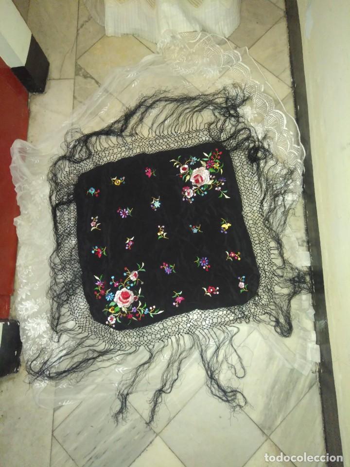 Antigüedades: Precioso mantón mantoncillo de seda bordado estilo Manila - Foto 2 - 127263823
