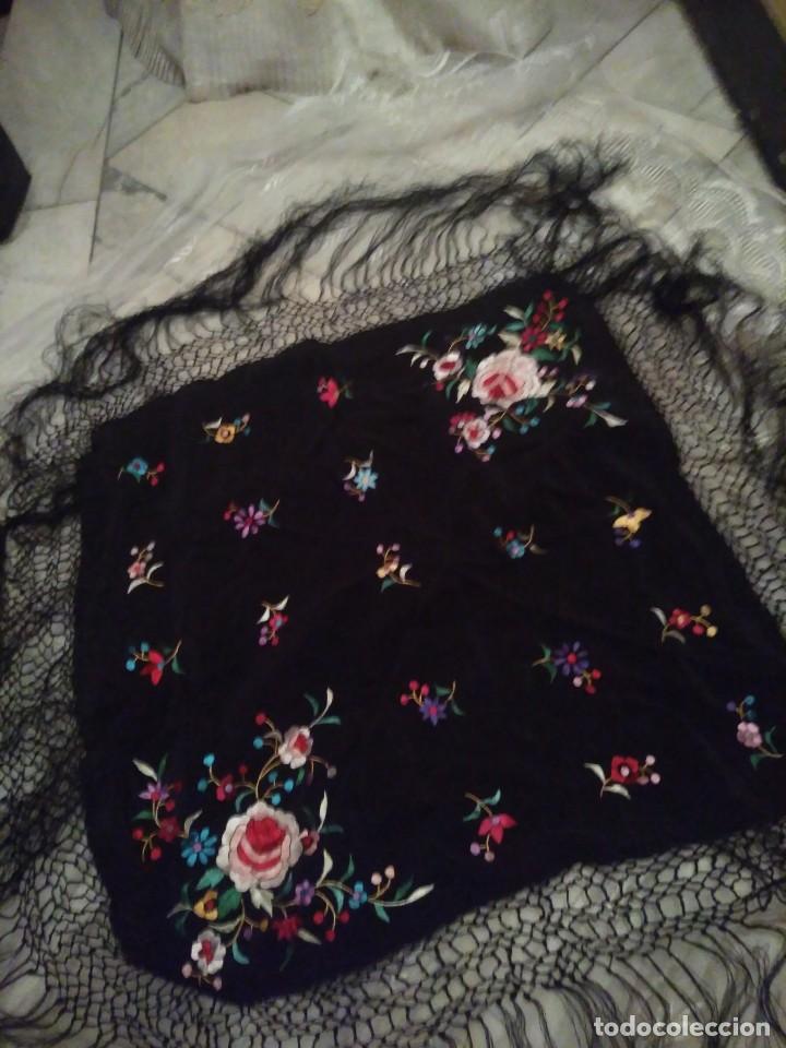 Antigüedades: Precioso mantón mantoncillo de seda bordado estilo Manila - Foto 4 - 127263823