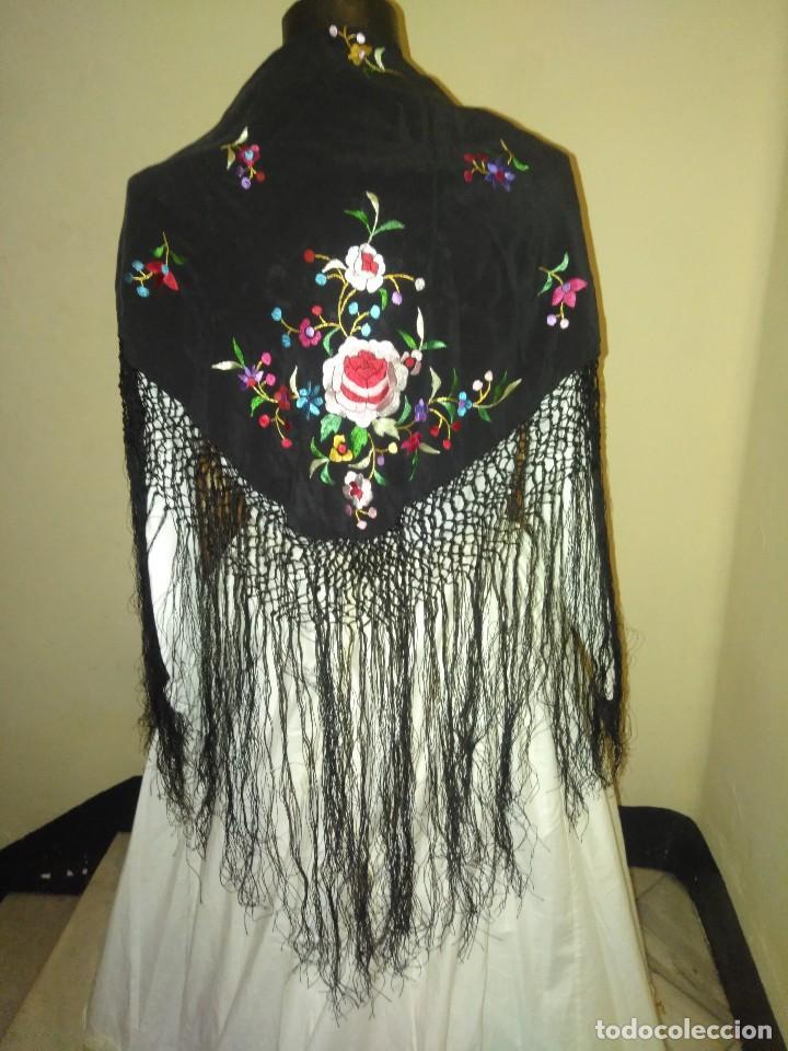 Antigüedades: Precioso mantón mantoncillo de seda bordado estilo Manila - Foto 5 - 127263823
