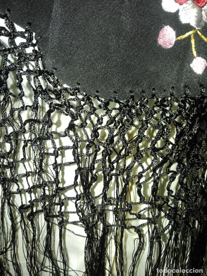 Antigüedades: Precioso mantón mantoncillo de seda bordado estilo Manila - Foto 8 - 127263823