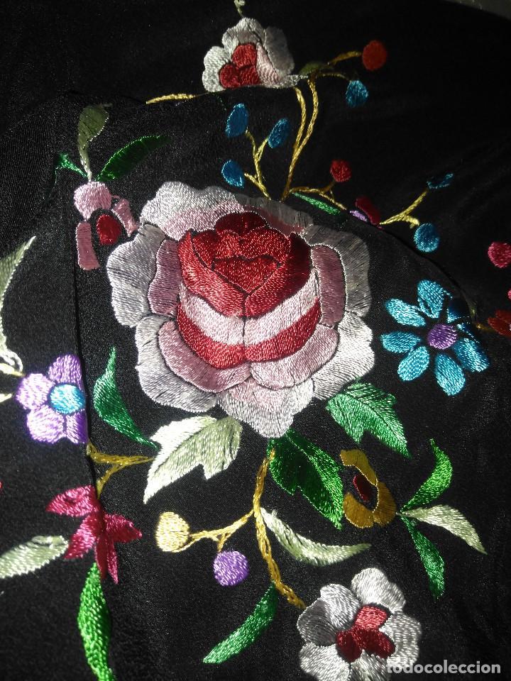 Antigüedades: Precioso mantón mantoncillo de seda bordado estilo Manila - Foto 15 - 127263823