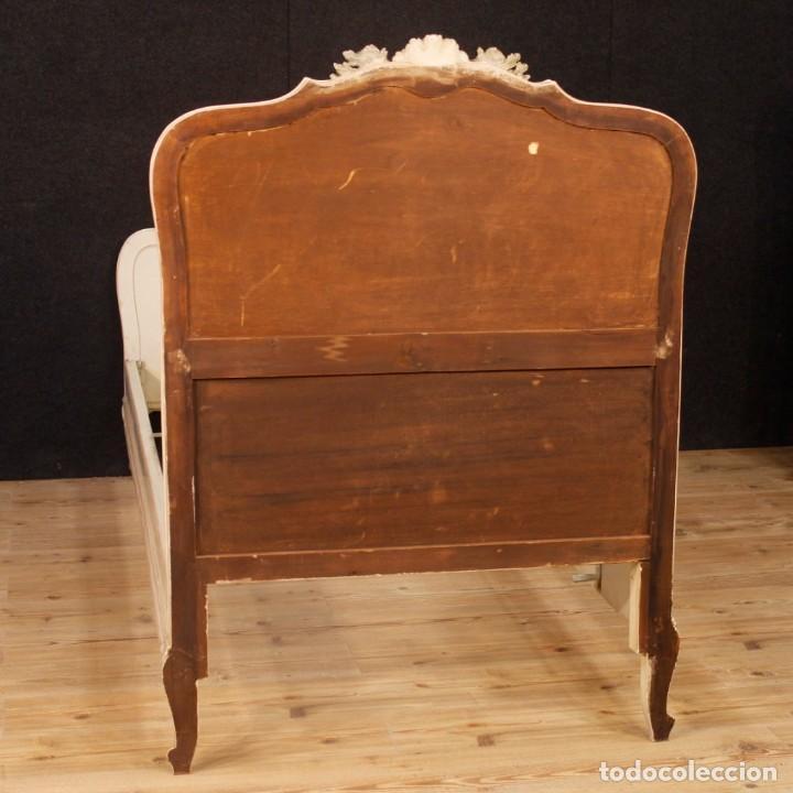 Antigüedades: Par de camas venecianas en madera pintada y tallada del siglo XX - Foto 8 - 127303475