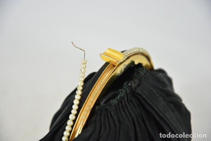 Antigüedades: Bolso antiguo de mujer - Negro y dorado - Perlas - Foto 3 - 127376515