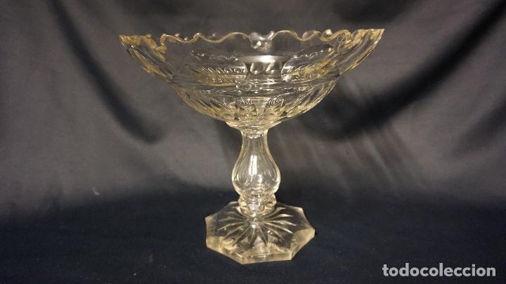 FRUTERO, CENTRO. CRISTAL TALLADO. SIGLOS XIX-XX. (Antigüedades - Cristal y Vidrio - Inglés)
