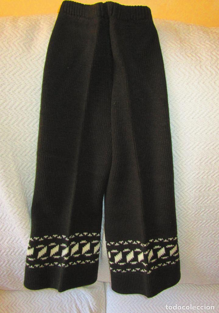 Antigüedades: Pantalón y jersey, lana marrón y grecas blancas.Modas Apellaniz Mtz. Logroño. Talla 4. Años 1970-80 - Foto 3 - 127527335