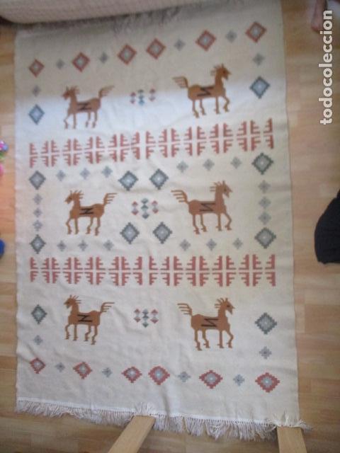 PRECIOSA ALFOMBRA LANA - TIPO KILIM - 195 X 140 CM SIN FLECOS (Antigüedades - Hogar y Decoración - Alfombras Antiguas)