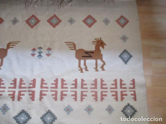 Antigüedades: Preciosa alfombra lana - tipo Kilim - 195 x 140 cm sin flecos - Foto 5 - 127601491