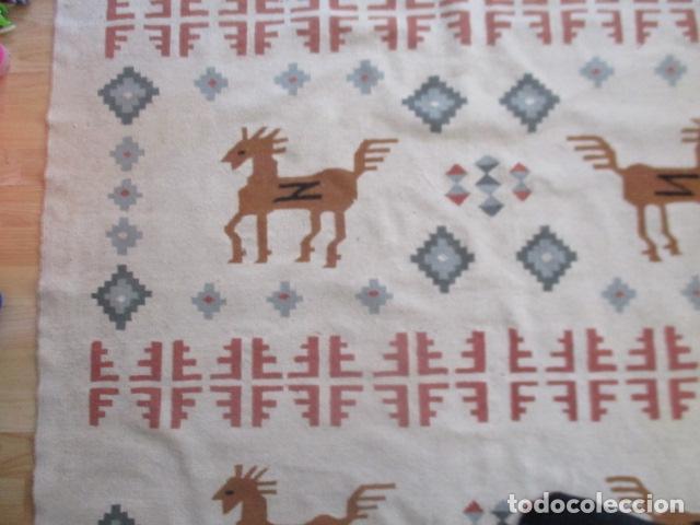 Antigüedades: Preciosa alfombra lana - tipo Kilim - 195 x 140 cm sin flecos - Foto 6 - 127601491