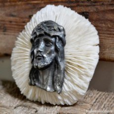 Antigüedades: IMAGEN ROSTRO DE JESUS CRISTO SOBRE CORAL BLANCO * FUNGIA FUNGITES. Lote 127617675