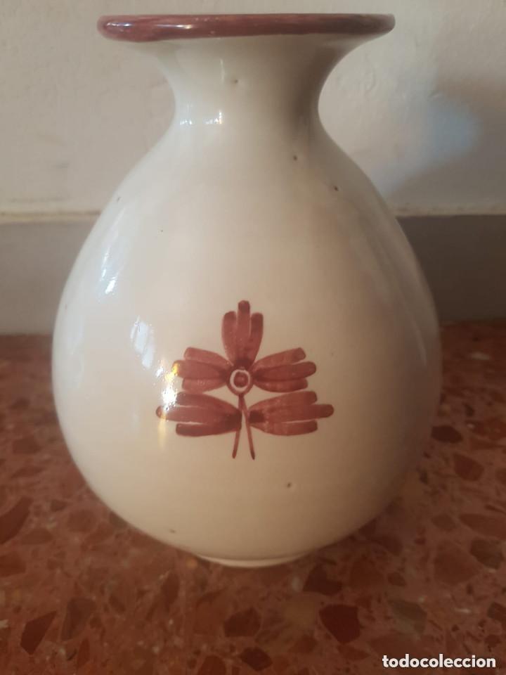 JARRON CERAMICA TALAVERA CON SELLO EN BASE (Antigüedades - Porcelanas y Cerámicas - Talavera)