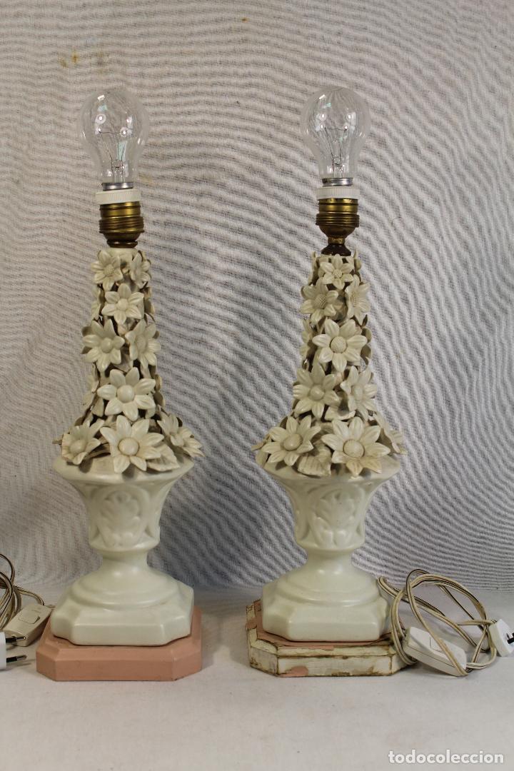 PAREJA DE LAMPARAS DE SOBREMESA EN CERAMICA DE MANISES (Antigüedades - Porcelanas y Cerámicas - Manises)