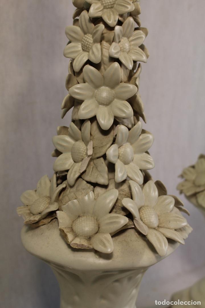 Antigüedades: pareja de lamparas de sobremesa en ceramica de manises - Foto 5 - 127662147